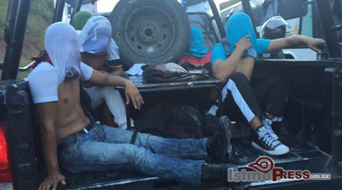 Enfrentamiento en Ayotzinapa; saldo 20 heridos y 10 detenidos