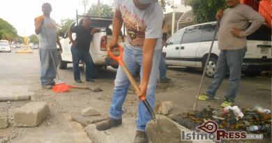 Repara Ayuntamiento de Salina Cruz registro de drenaje 2