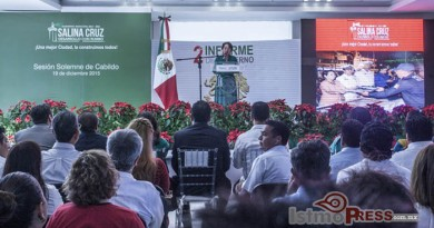 Rinde rosa nidia su segundo informe de gobierno en Salina Cruz 14