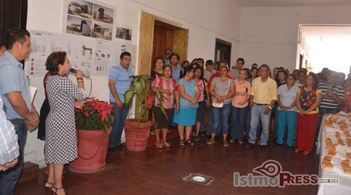 Rosa Nidia celebra la navidad con trabajadores del Ayuntamiento de Salina Cruz 4