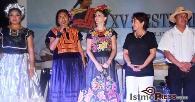 Rosa Nidia clausura el XV Festival Cultural del Mar 2