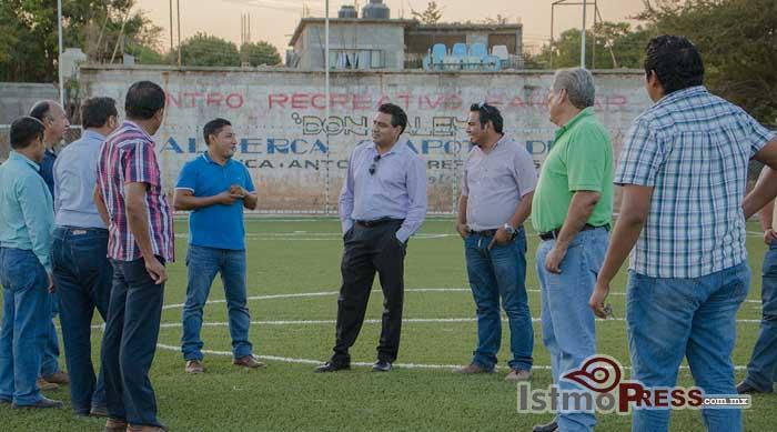 Avanza unidad deportiva Campo Corona en Tehuantepec Donovan