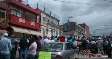 Protestan ganaderos en Matias Romero