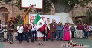 Recorre AMLO municipios del istmo