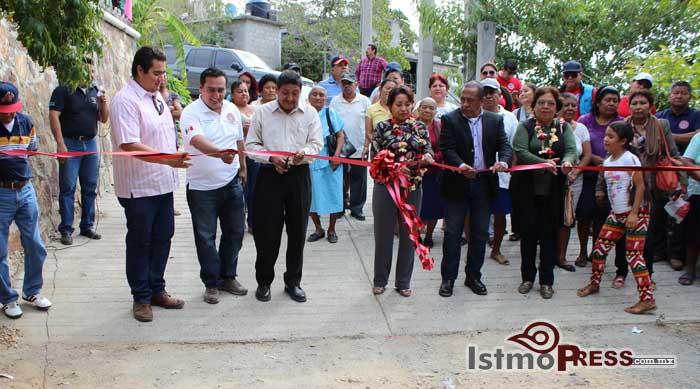 Rosa Nidia inaugura obra de drenaje en la colonia San Pablo Sur.
