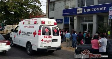 Sujetos armados asaltan Bancomer en Salina Cruz