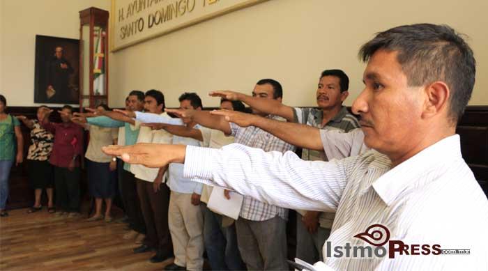 Toman protestas nuevos agentes municipales de Tehuantepec