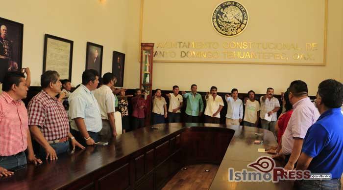 Toman protestas nuevos agentes municipales de Tehuantepec2