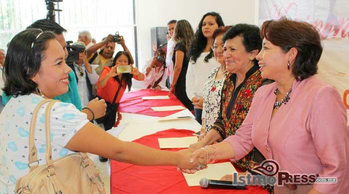Rosa Nidia celebra Bodas Colectivas2