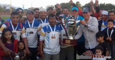 Eduardo Pedro cumple con deportistas de Ixtepec 3