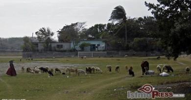 En San Mateo del Mar, se pronuncian contra del despojo de su territorio 00