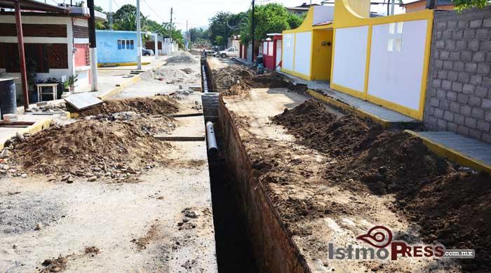 Mas de 11535 metros de Drenaje construidos en Salina Cruz 2