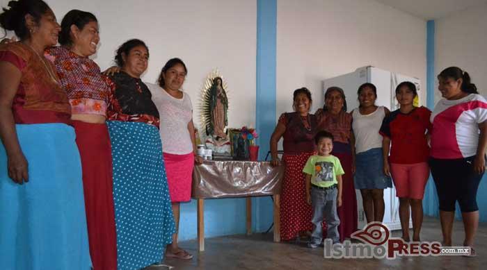 Mujeres ikoots, sanadoras de enfermos 2
