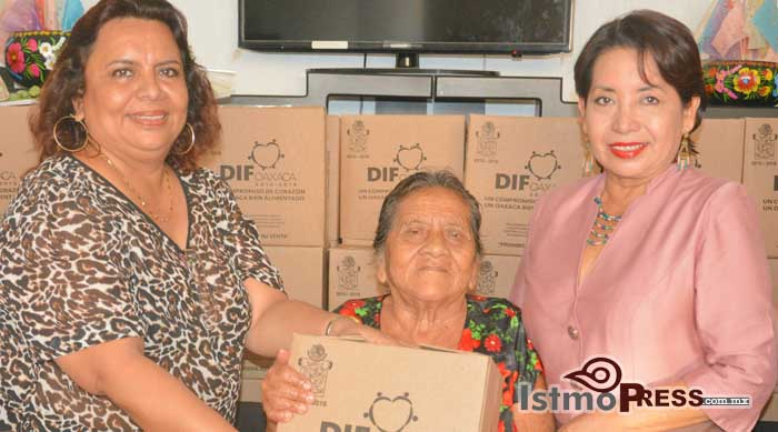 Rosa Nidia hizo la entrega de despensas a Adultos Mayores 2