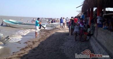 Turistas disfrutaron vacaciones en playa Vicente