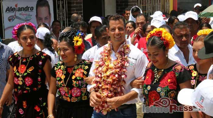 Alejandro Murat visita los Chimalapas
