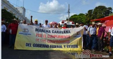 Autoridades municipales de Juchitán realizan caravana para solicitar recursos a Gabino Cue