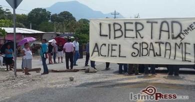 Bloquean pobladores de Jalapa del Marqués carretera Panamericana