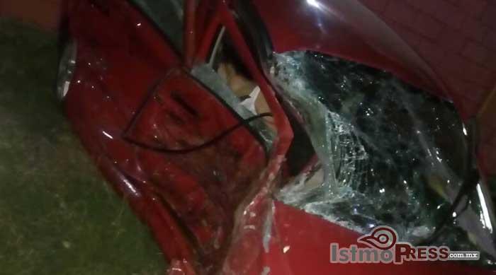 Fatal accidente en carretera Transistmica, pierde la vida una mujer