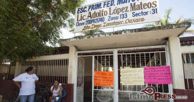 Liberan a 16 profesores retenidos en Zanatepec