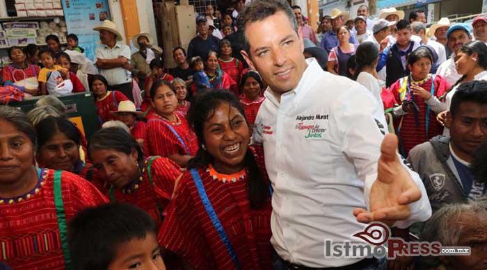 Lleva Alejandro Murat Hinojosa un mensaje de esperanza a los pueblos mixteco y triqui