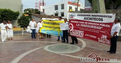 Marchan en Juchitan, pidiendo paz y seguridad