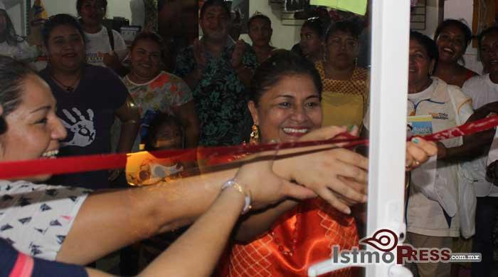 Respaldan comerciantes a Rogelia González