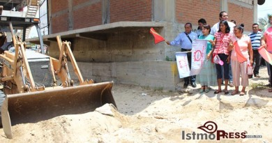 Rosa Nidia da banderazo de Inicio de Obras en Salina Cruz 3