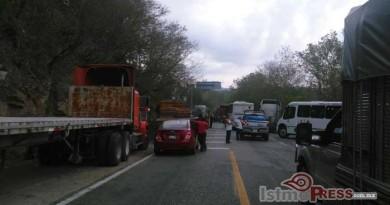 Se registra Segundo día de bloqueo en carretera Costera