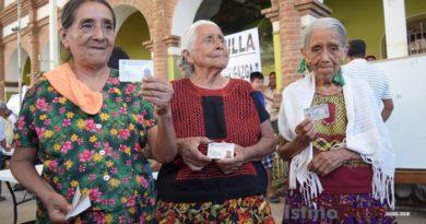 Elección histórica, mujeres votan en Guevea de Humboldt