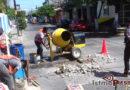 Dirección de obras públicas realiza trabajos de bacheo en Juchitán