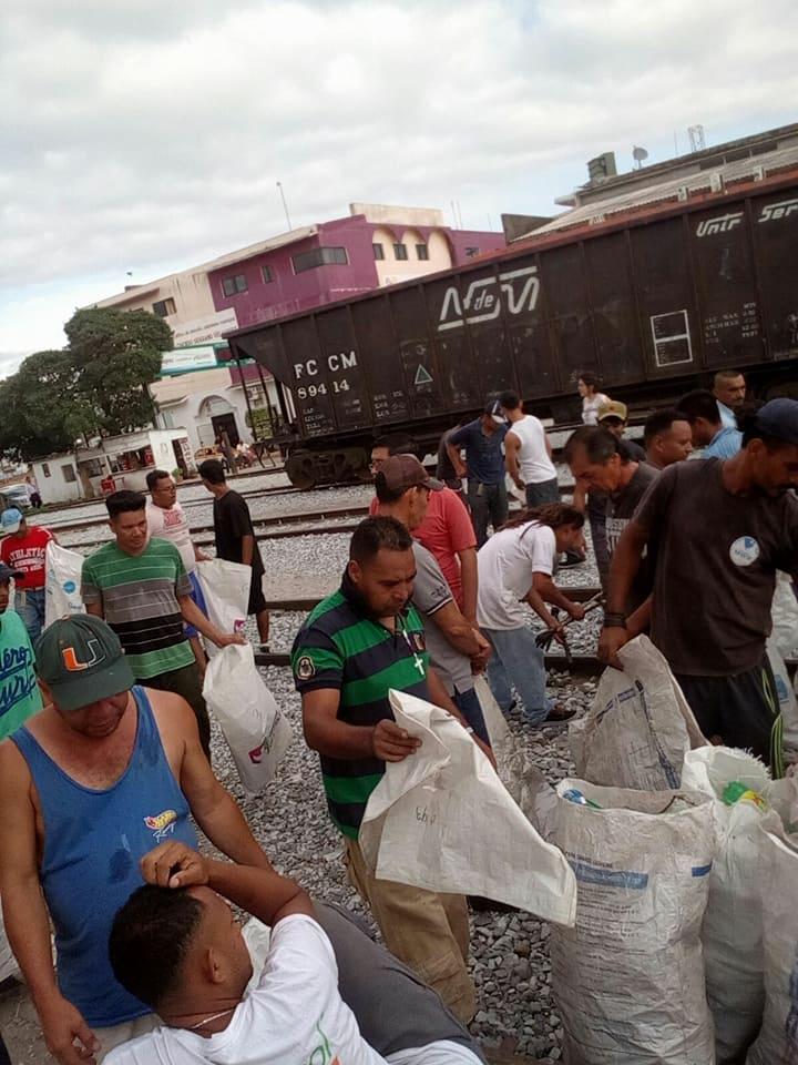Activan jornada de limpieza gobierno de Ixtepec y albergue Hermanos en el Camino (3)