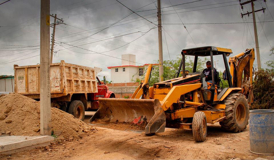 Félix Serrano cumple con obras pública en Ixtepec (3)