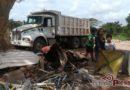 Desechos de casas derrumbadas sirven de sustento familiar para damnificados
