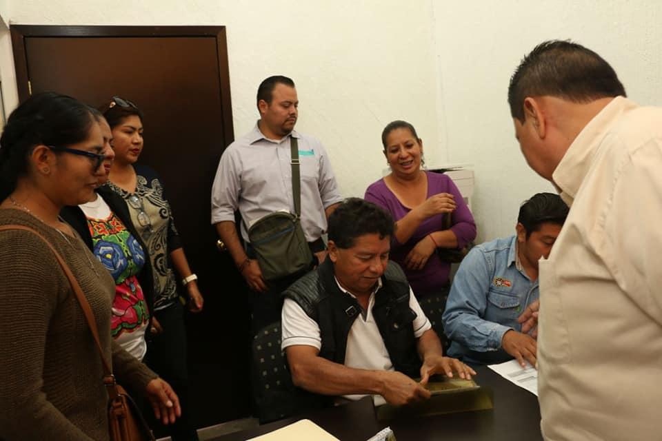 Con tequios, Ayuntamiento y sociedad, reanudan clases en Ixtepec (5)