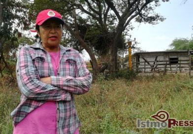 Gloria y su amor por la tierra resisten contra Pemex y sus ductos desde hace más de 30 años