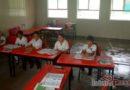 Escuelas provisionales no resistieron, gotean y así toman clases niños de primaria en Niltepec