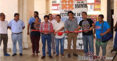Celebran a jóvenes tehuanos en el marco del Día Internacional de la Juventud