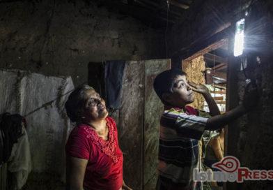 Pobladores de Tres Marías después de 100 años vieron la luz eléctrica en sus hogares