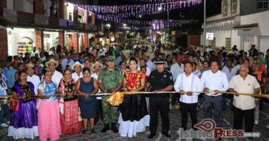Inaugura  calles del centro histórico de Tehuantepec