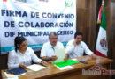 La familia CESEEO firma convenio de colaboración con el DIF municipal.