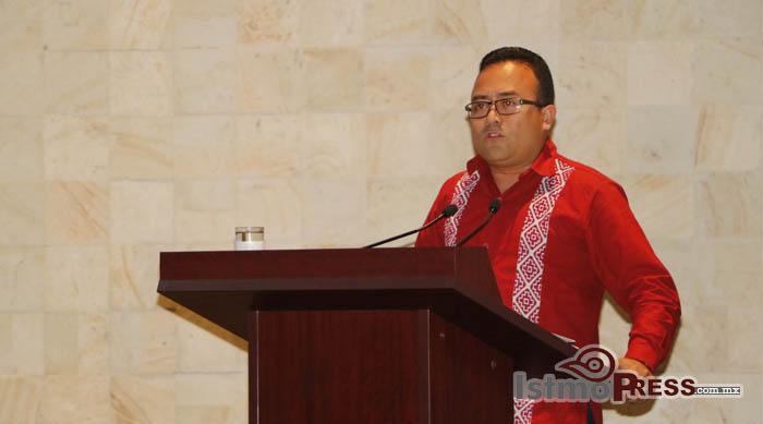 Abrir en Oaxaca librerías del FCE, exhorta Pável Meléndez al gobierno