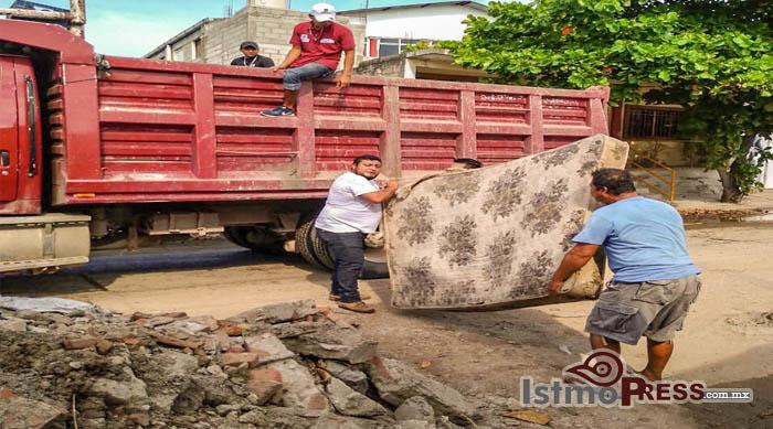 06 Oct Juchitán contra el dengue1