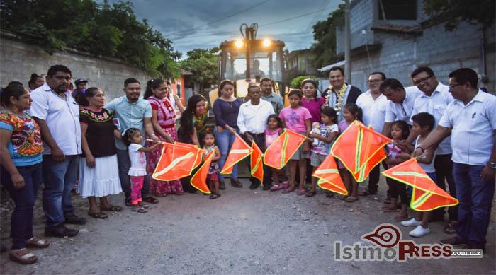 08 Oct Juchitán banderazo obras1