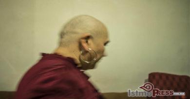 18 Oct Mujer contra el cancer1