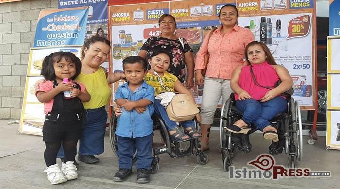 25 Oct Personas de Talla Baja1