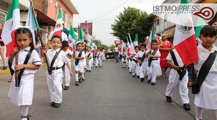 24 Feb Juchitán acto cívico3