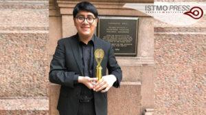 11 Mar Gana oaxaqueño premio internacional1