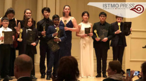 11 Mar Gana oaxaqueño premio internacional3