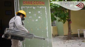 17 Abr Fumigan escuelas de Juchitán para prevenir dengue, zika y chikungunya1